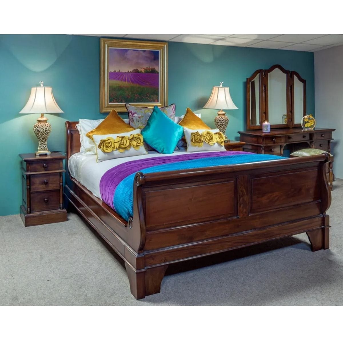 Classic Sleigh High-End Bed